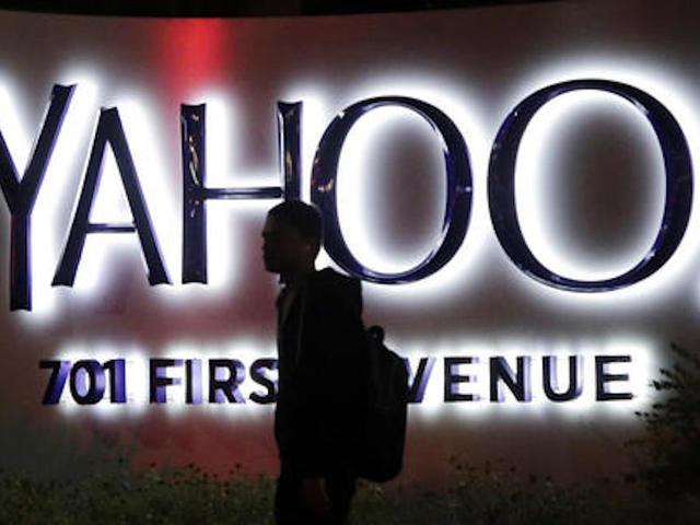 Verizon agrees to $4.8 billion deal to buy Yahoo