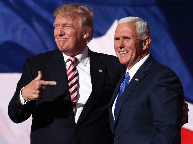 Pence defends Trump on Islamic State remark