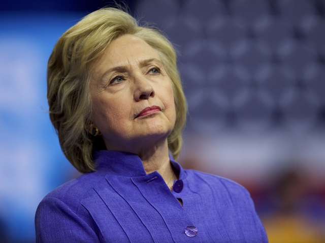 Hillary Clinton's pneumonia brings health back as hot issue in campaign