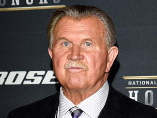 Mike Ditka rips Kaepernick over anthem protest