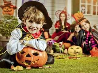 How much Americans spend on Halloween