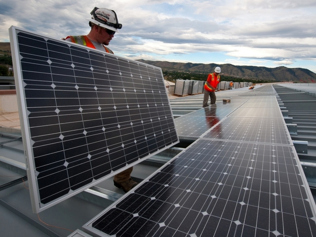 Investment in Renewable Energies Drops Globally