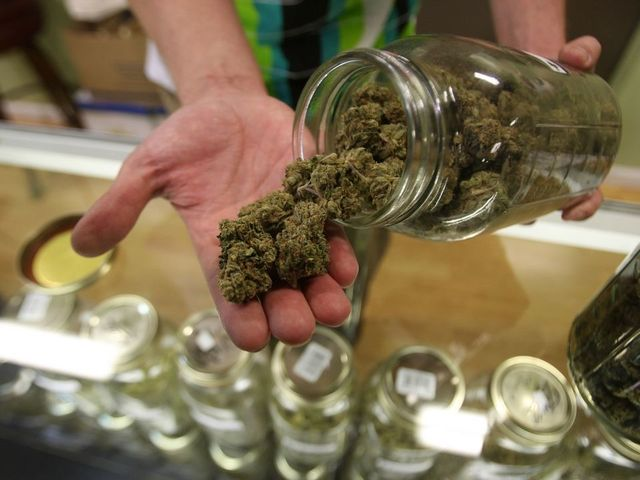 Nevada judge clears way for more pot licenses