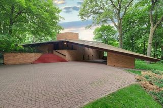 Frank Lloyd Wright house is on sale in Minn.