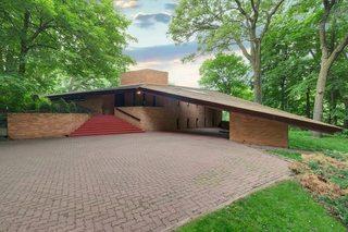 Frank Lloyd Wright house is on sale in Minn.