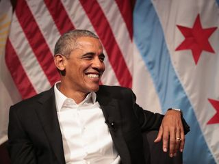 Obama makes public appearance in Chicago