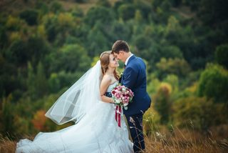 19 less-obvious wedding costs