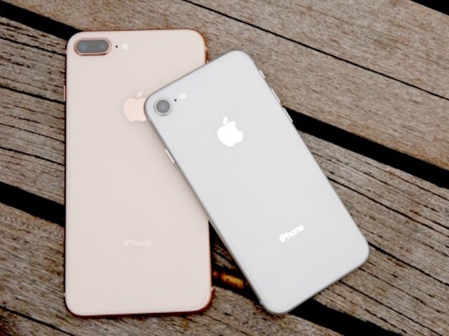 Buy iPhone 8 and 8 Plus with 70 % buyback offer