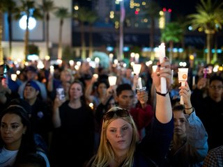 Vegas police release 911 calls from Vegas attack