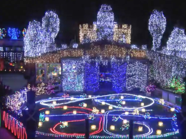 Rock 'n' roll Christmas light display in New Zealand puts everyone ...