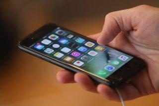 Call center chaos after bonus 'misunderstanding'