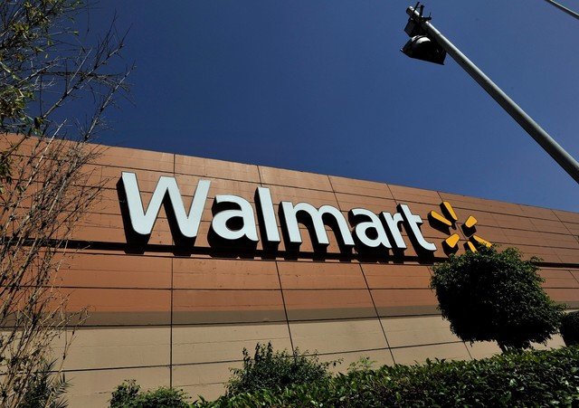 Walmart to payout $15 million in bonuses to workers in Tennessee