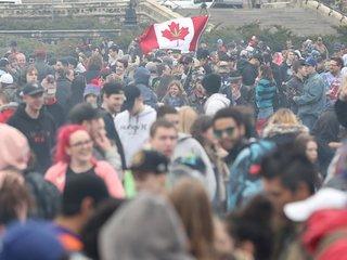 Canada becomes 2nd nation to legalize marijuana