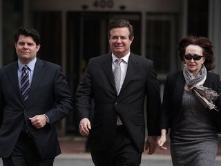 Manafort jury ends first day of deliberations