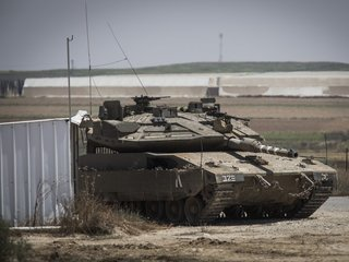 Israelis, Palestinians agree to new cease-fire