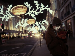 10 ways scammers plan to ruin the holidays
